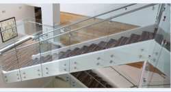Point Fitting Glass Railing