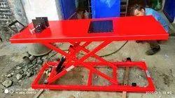 Mild Steel Hydraulic Two Wheeler Ramp, Capacity: 150kg,350kg, Lifting Capacity: 150-350 kg