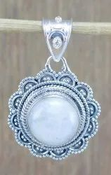 925 Sterling Silver Royal Jewelry Rainbow Moonstone Gemstone Pendant