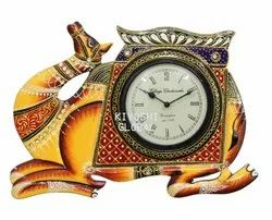 Analog Round Table Clock Camel, Size: 18 inch