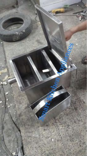 Grease Trap with Sludge Removal Perforated Basket