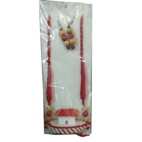 Wooden Hand Painted Designer Necklace Set, Packaging Type: Box