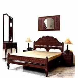 Traditional Wooden Bedroom Furniture Set