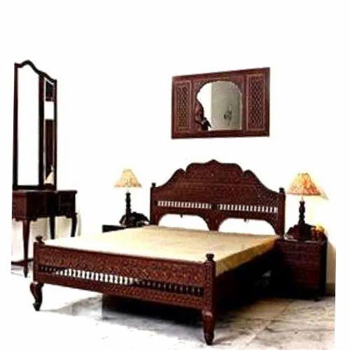 Traditional Wooden Bedroom Furniture Set