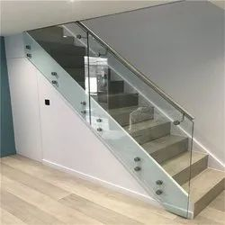 10 Stairs SS Glass Railing, Mounting Type: Wall, 8