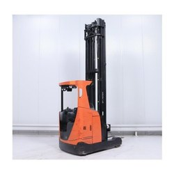 Automatic RRE Reach Truck Rental Services