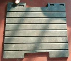 Black Railway Track Grooved Rubber Sole Plate