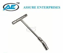 Cannulated Socket Wrench