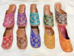 Women Colorful Shantiniketan Print Back Open Jutti Mules