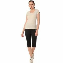 Ladies Plain Capri