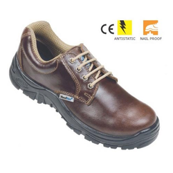 2570f3530043 Safety Shoes - Vaultex Brown Safety Shoes Exporter from Pune