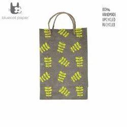 Linen Carry Bag (M) - yellow twig leaf print, jute rope handles
