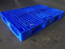 Used Blue Plastic Pallets