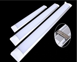 Iron Warm White Bis Approved Linear Tubelight, Power Consumption: 16 - 20 W