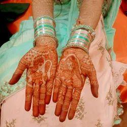 Manually Women Bridal Mehandi Design, Indore