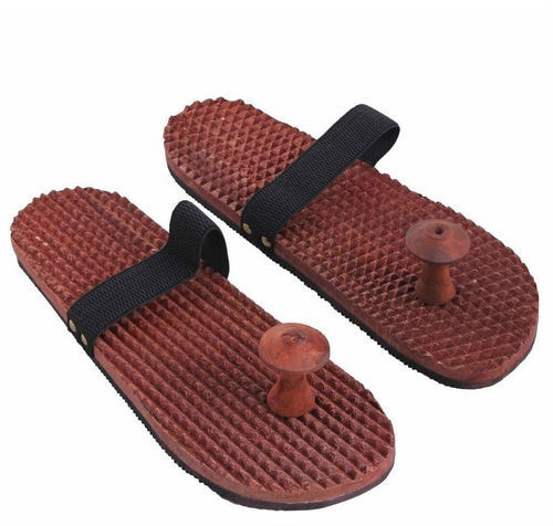 2687e561e02 Wooden Relaxing Acupressure Slippers