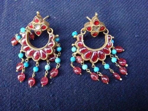 Vinay & Sons Wedding Gold Earrings, Packaging Type: Box