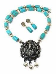 SPJ007 Torqouise Beads Embedded Ganesha Pendant