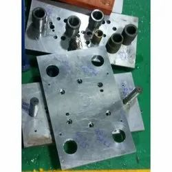 Aluminium Hot Runner CNC Precision Plastic Injection Mould, Packaging Type: Box