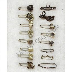1019 Designer Safety Pin Badge