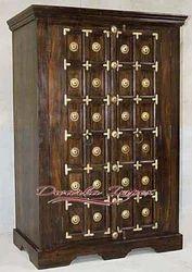 2 Door Resort Wooden Almirah, Size: 6.5 x 3.5 feet