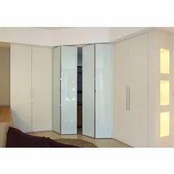 Aluminum Alloy Aluminium Wardrobe Sliding Folding Door, 4 To 6 Mm, Size/Dimension: 1000 Mm