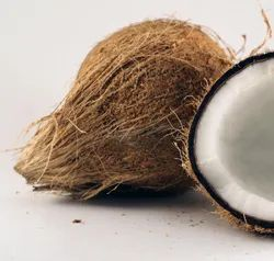 Pollachi Dehusked Coconut, Packaging Size: 13.5 kg