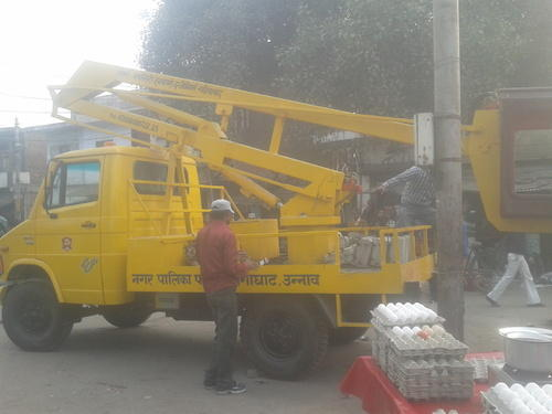 Street Light Repairing Lift