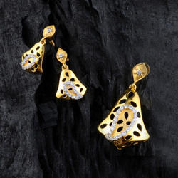 Gold Designer Pendant Set