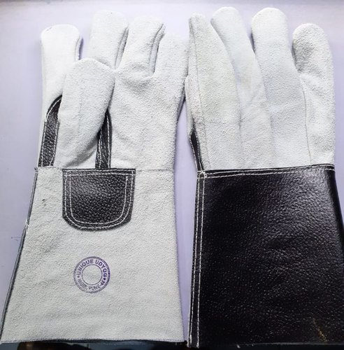 Gauntlet leather gloves