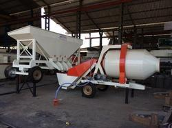 Reversible Concrete Mixer with Automatic Feeding System