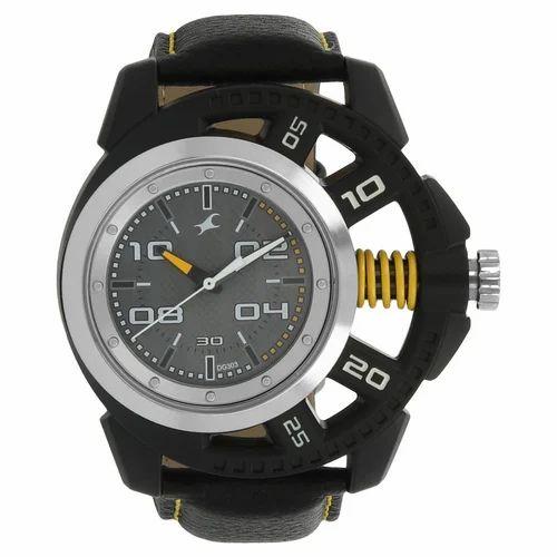 a69ff346f Fastrack Motorheads Grey Dial Analog Watch For Men (38028PL0, 38028PL01J