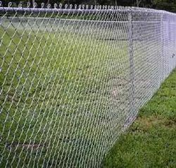 Galvanized 90 Gsm To 110 Gsm Silver Poultry Chain Link Fencing, Size: 3 X 3