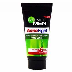 Garnier Men Oil Clear Facewash, Packaging Size: Plastic Tube