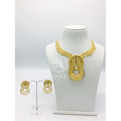 Short Necklace Set