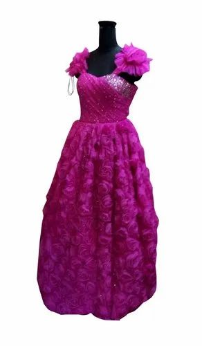 Tulle Pink Ball Gown With Embroidery On Bodice And 3d Floral Work On Skirt Area À¤¬ À¤² À¤— À¤‰à¤¨ Kokus Nest New Delhi Id 22256923997