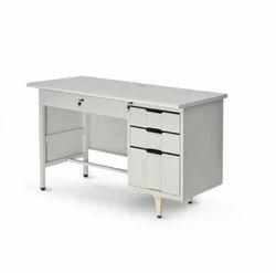 Rectangular Dream Steel Office Table, Warranty: 1 Year