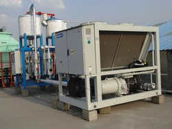 Three Phase Mild Steel Air Cooled Chilling Plant, Capacity: 100-2000 Tr, 1762x930x1513 Mm