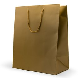Gifting Golden Paper Gift Bag, Capacity: 1-5 Kg