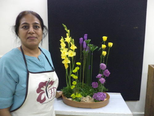 Flower Arrangement Class Advance Certificate Course In Dadar West