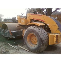 Soil Compactor Rental service, Capacity: 10 Ton