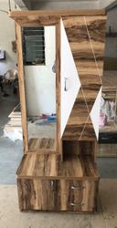 White Modern Wooden Dressing Table, Size: 6-7 Feet(height)