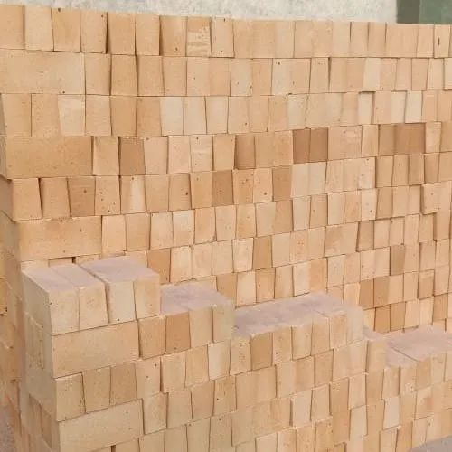 Buff Yellow Refractory Arch Bricks, Packaging Type: Wooden Pallets