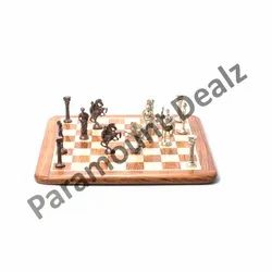 Brown Wooden 15 Inches Flat Board And Roman Chess Pieces, Packaging Type: Box