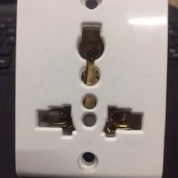 13 Amp Electrical Flat Pin Socket