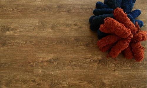 Laminate Wooden Floor AC4 Honey Oak Hego