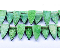 Sparkling Druzy 6 Beads 12x24mm Parrot Green Flat Druzy Fancy Pyramid Beads