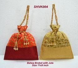 Batwa Broket With Jute