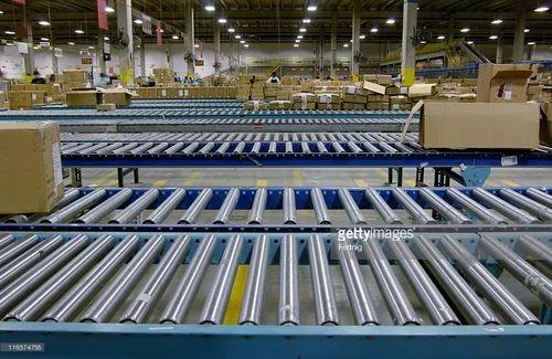 FabTech Agro Vertical Conveyors Gravity Roller Conveyor, Capacity: 1 ton/mtr