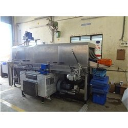 Conveyor Bin Washing Machine